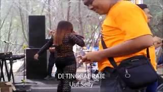 Uut Seliy  goyang hot DI TINGGAL RABI Gethering BANK JATENG width=