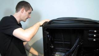 getlinkyoutube.com-Cooler Master Cosmos II Extreme Gaming Case Unboxing & First Look Linus Tech Tips