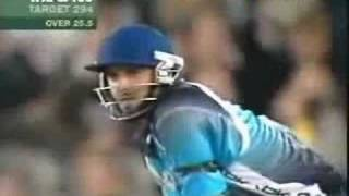 getlinkyoutube.com-Shahid Afridi World XI Innings 2005