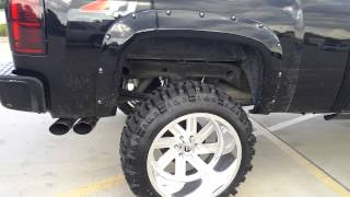getlinkyoutube.com-Lifted cammed silverado on 22x14
