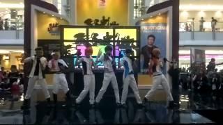getlinkyoutube.com-Uta no Prince sama Maji Love 1000% & 2000% cosplay and dance cover