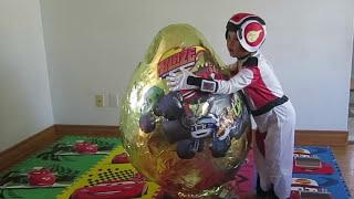 getlinkyoutube.com-BLAZE AND THE MONSTER MACHINE TOYS Nickelodeon GOLDEN GIANT EGG SURPRISE OPENING Power Wheels Toys