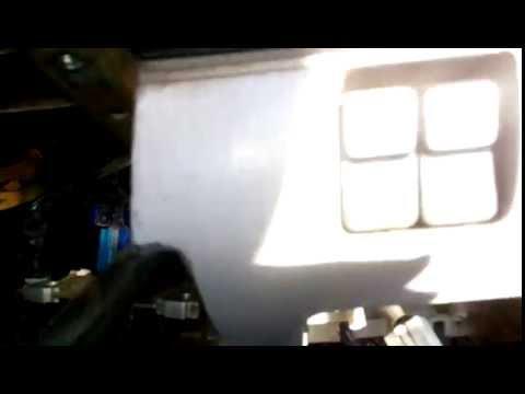 Как снять торпедо на Mazda Bongo Friendee