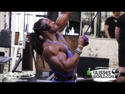 @UlissesWorld Training Back at MuscleWorks Gym