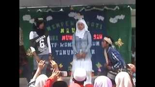 "getlinkyoutube.com-Drama ""Keong Emas"" SMP Kanzul Ulum 2013 Bag. 1"