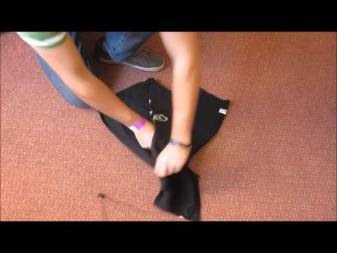 Fold a T-shirt / Top in under 2 seconds - Solve all you top folding needs.