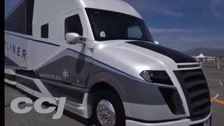 getlinkyoutube.com-Test drive: Freightliner SuperTruck