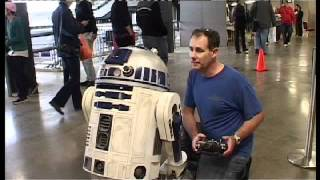 getlinkyoutube.com-R2 at Collectormania 17 - UK R2D2 Builders Club 2011