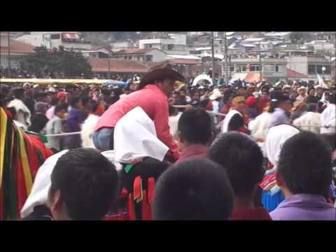 Martes de carnaval en San Juan Chamula tradicional corrida de toros