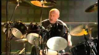 Genesis - Phil Collins e Chester Thompson (solo de bateria).avi