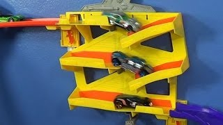 getlinkyoutube.com-Switchback Slider For The Hot Wheels Wall Tracks Track System