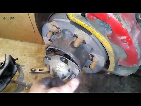 Грейт Волл. замена шаровых, верхних сайлентблоков, карданчик рулевого вала, и пыльник шруса.