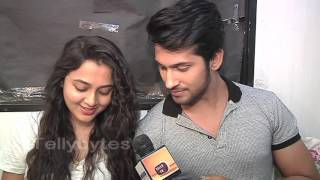 getlinkyoutube.com-Ragini and Laksh aka Tejaswi and Namish receive fan gifts FINAL PART