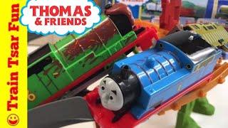 getlinkyoutube.com-Thomas Breakaway Bridge, Percy Chocolate Crunch Train Sets and LEGO Batman