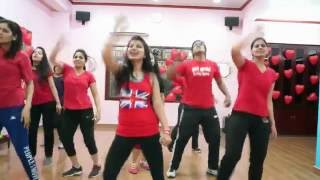 getlinkyoutube.com-Sooraj Dooba Hai Zumba Fitness Choreo by Zin Manisha|Tonique Studio