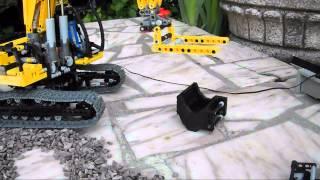 getlinkyoutube.com-Lego - Crawler Excavator - Pose de canalisation