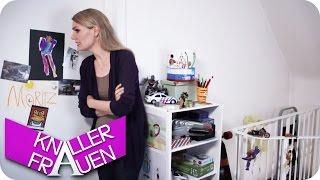 getlinkyoutube.com-Schwimmen gehen - Knallerfrauen mit Martina Hill | Die 3. Staffel in SAT.1