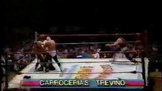 getlinkyoutube.com-Tinieblas & Tinieblas jr vs. Mascara Año 2000 & Universo 2000