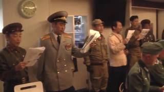 getlinkyoutube.com-ソ連国歌の唄声に包囲されるドイツ兵:革命歌インターナショナル