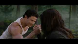 THE TWILIGHT SAGA: BREAKING DAWN PART 2 - Clip