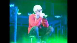 getlinkyoutube.com-Justin Bieber chora ao cantar Down To Earth / crying in Down To Earth