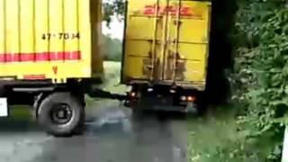 getlinkyoutube.com-DHL LKW - Anhänger rangieren und Schrotten.✉