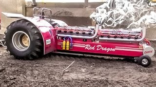 getlinkyoutube.com-RC tractor EXTREME! Amazing Tractor pulling with sound and smoke.