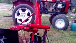 Traktorek sam - różne akcje. Która najlepsza? jedna scena z ostatniego liftingu i drugiego traktorka