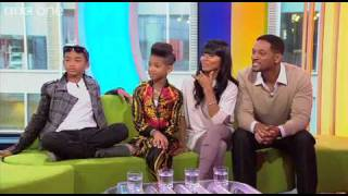 getlinkyoutube.com-Willow Smith And Family - Interview (The One Show HQ)