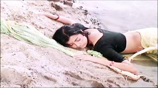 Om puri and Deboshree roy very hot scene in Seepeeyan.