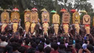 getlinkyoutube.com-Mangalamkunnu Karnan Vs Thechikottukavu Ramachandran