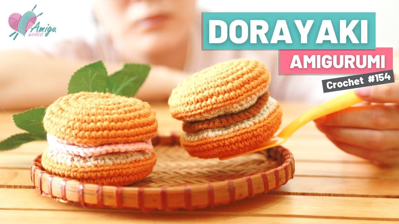 FREE pattern – How to crochet a Dorayaki amigurumi