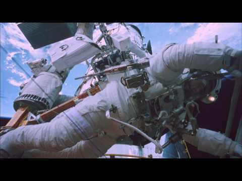 Space Walk #3 &quot;STS - 125 Mission&quot; HUBBLE 3D