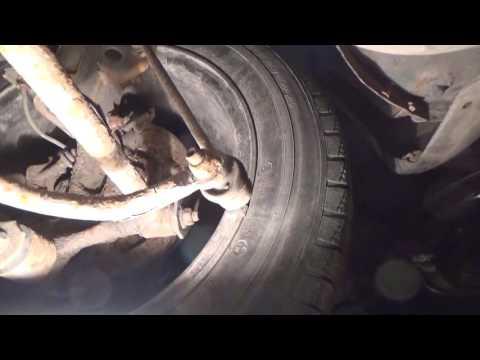 Mazda 323F Замена задних стоек стабилизатора