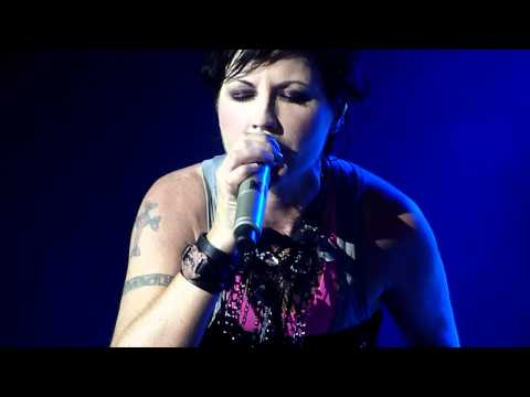 The Cranberries - Linger [Live @ Java Rockin' Land 2011 Jakarta]