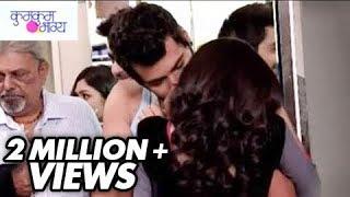 getlinkyoutube.com-Abhi Kisses Pragya in Public | Kumkum Bhagya