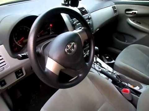 Где находится у Toyota Сиента obd разъем