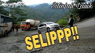 getlinkyoutube.com-Jalan Licin Bikin Mobil Slip di Sitinjau Lauik