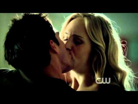 """This is gonna be an amzaing year"" Carolina/Tyler Scene [3x05 The Reckoning TVD]"
