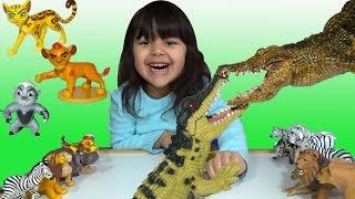 getlinkyoutube.com-Lion Guard Disney Junior Crocodile Fight Mashindano Makuu vs Pua Video Parody
