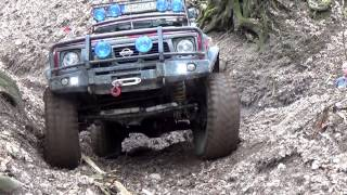 getlinkyoutube.com-Trial Off Road 4x4 (Patrol GR) vs (Vitara) vs (Pajero) HD