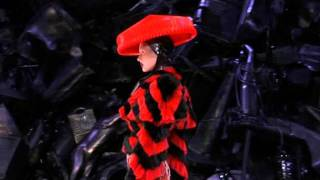 getlinkyoutube.com-Alexander Mcqueen The Horn of Plenty Dress autumn/winter 2009-2010