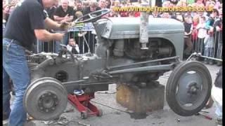 getlinkyoutube.com-How to Rebuild a Ferguson T20 Tractor (fergy,fergie) in under 10 Minutes