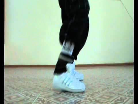 "House Dance Lesson by EHABY.""Loose Legs Tet-a-Tet""Basic Step."