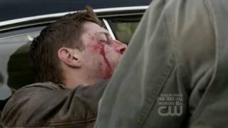 "getlinkyoutube.com-Supernatural 5x22 (season finale) - Dean & Sam : ""I'm here... I'm not gonna leave you"""