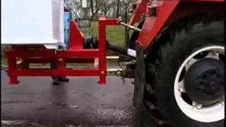 getlinkyoutube.com-Štěpkovač za traktor - do 12cm průměr
