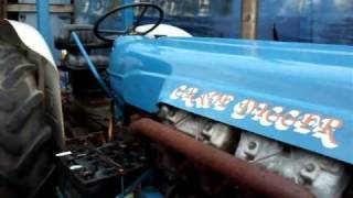 getlinkyoutube.com-Fordson major v8 turbo diesel.