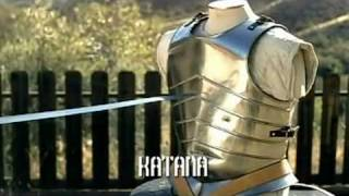 getlinkyoutube.com-Japanese Katana VS European Longsword - Samurai sword VS Knight Broadsword