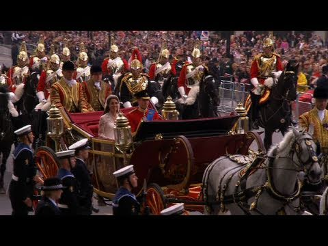 Prince William and Kate Middleton on the Procession Route - The Royal Wedding - BBC
