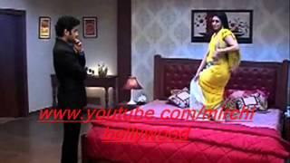 getlinkyoutube.com-Yeh Hai Mohabbatein :Ishita does sexy dance for Raman